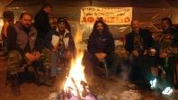 депутат З.З (на центре с длыними волосами) с крестьянами в центральной греции