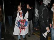 Το βράδυ ακροδεξιοί, περί τα 150 άτομα έκανα πορεία ενάντι στο ΝΑΤΟ και υπέρ του Κάραζιτς