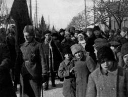 Απόσπασμα ερυθροφορουρών στο Γκόμπελ το 1918