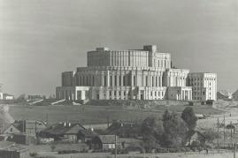 το κτήριο του θεάτρου της όπερας στο Μίνσκ το 1948