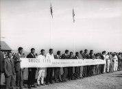Nakuru, Kenya, Φεβρουάριος 1970. Επιτροπή υποδοχής στο αεροδρόμιο