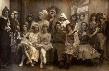 φωτογραφία από το διαμέρισμα στην Αγ.Πετρούπολη που εγιναν οι συλλήψεις